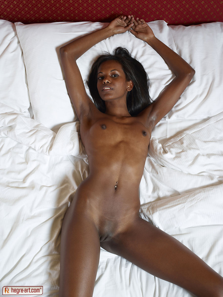 Black Beauty Ebony 67